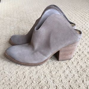 Like New Chinese Laundry Suede Boots 8.5
